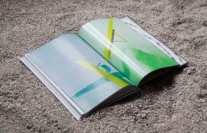 "D. E. CURADOR MAGAZINE Vol.2 ""US"" -Spread (2015)-59"
